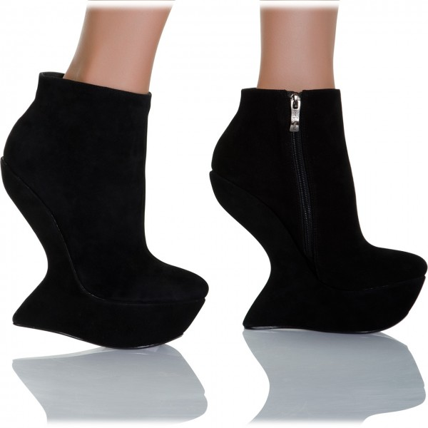 6641ef794c7 Trendy Ankle Boots with Fancy Wedge Heel